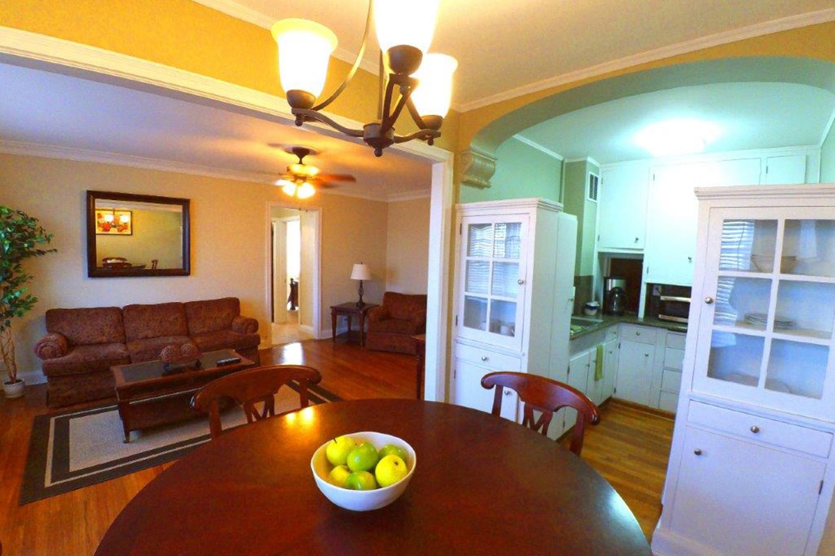 . 1 Bedroom Deluxe   The Jefferson Apartments and Suites